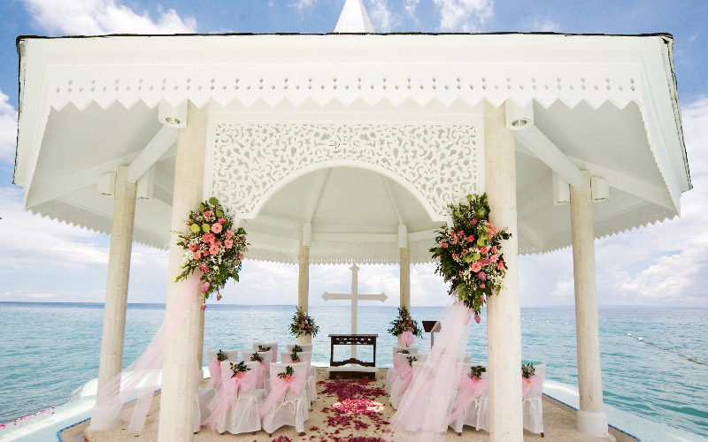 Tie the Knot in a Paradise