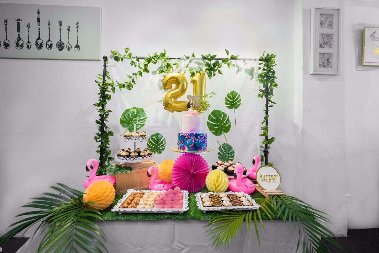 21st-party-event-venue-venurific-blog-butter-studios-table-setup