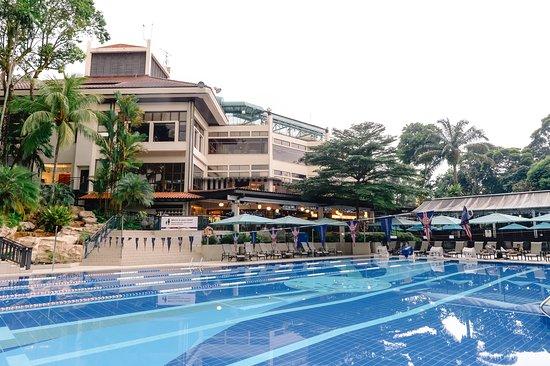 villa-paradiso-swimming-pool-venuerific-blog-the-british-club