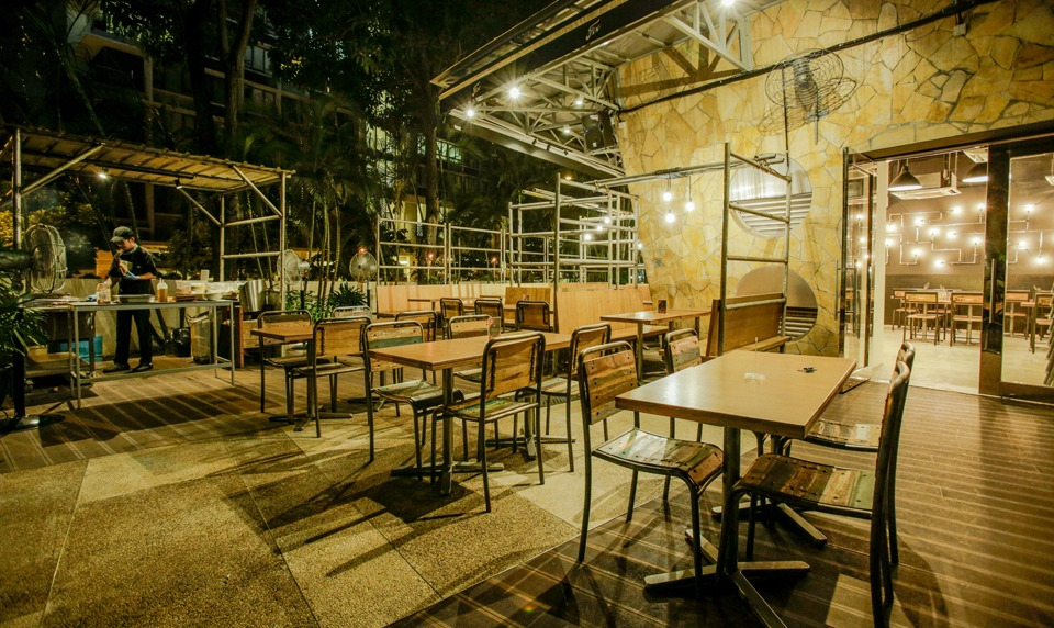 outdoor-bbq-21st-birthday-party-venue-event-space-venuerific-fix-grill