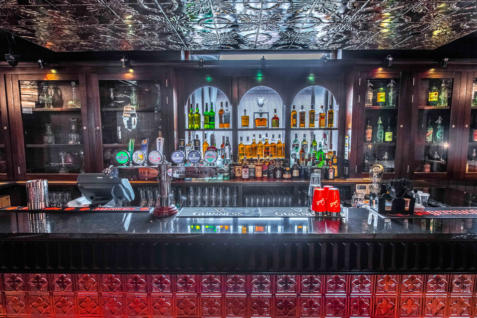 year-end-party-venue-venuerific-blog-mcgettingans-bar-with-exotic-drinks