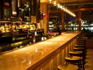 best-seafood-restaurants-singapore-venuerific-blog-the-pelican-seafood-bar-and-grill-bar-area
