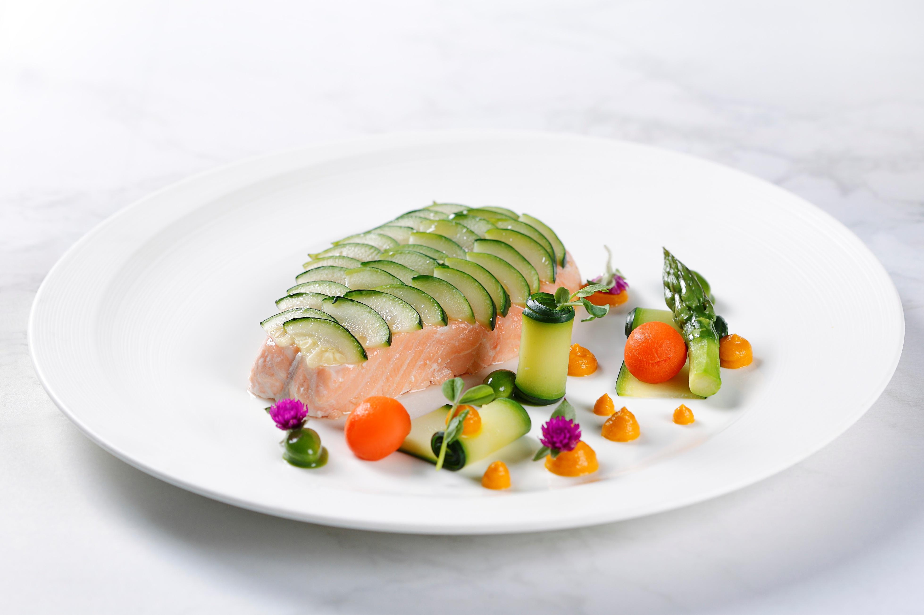 lyon new menu the sous vide salmon food lifestyle. Black Bedroom Furniture Sets. Home Design Ideas