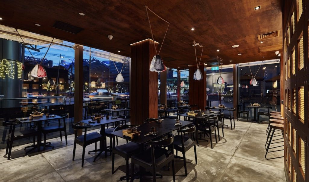 must-go-restaurant-venuerific-blog-kuro-izakaya-outdoor-seating