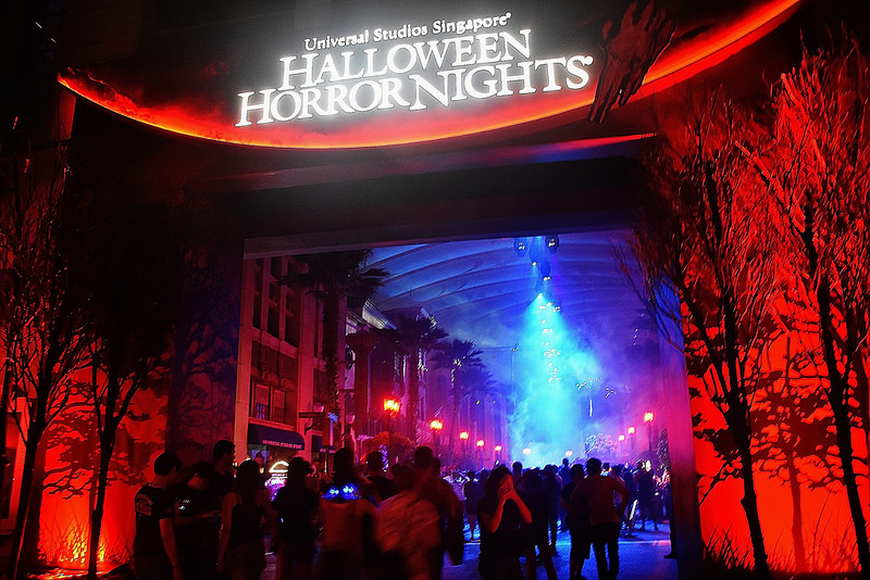 Halloween-events-venuerific-blog-halloween-horror-night-6-sentosa