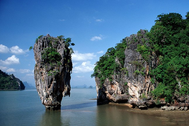 famous-movies-filmed-in-southeast-asia-venuerific-blog-007