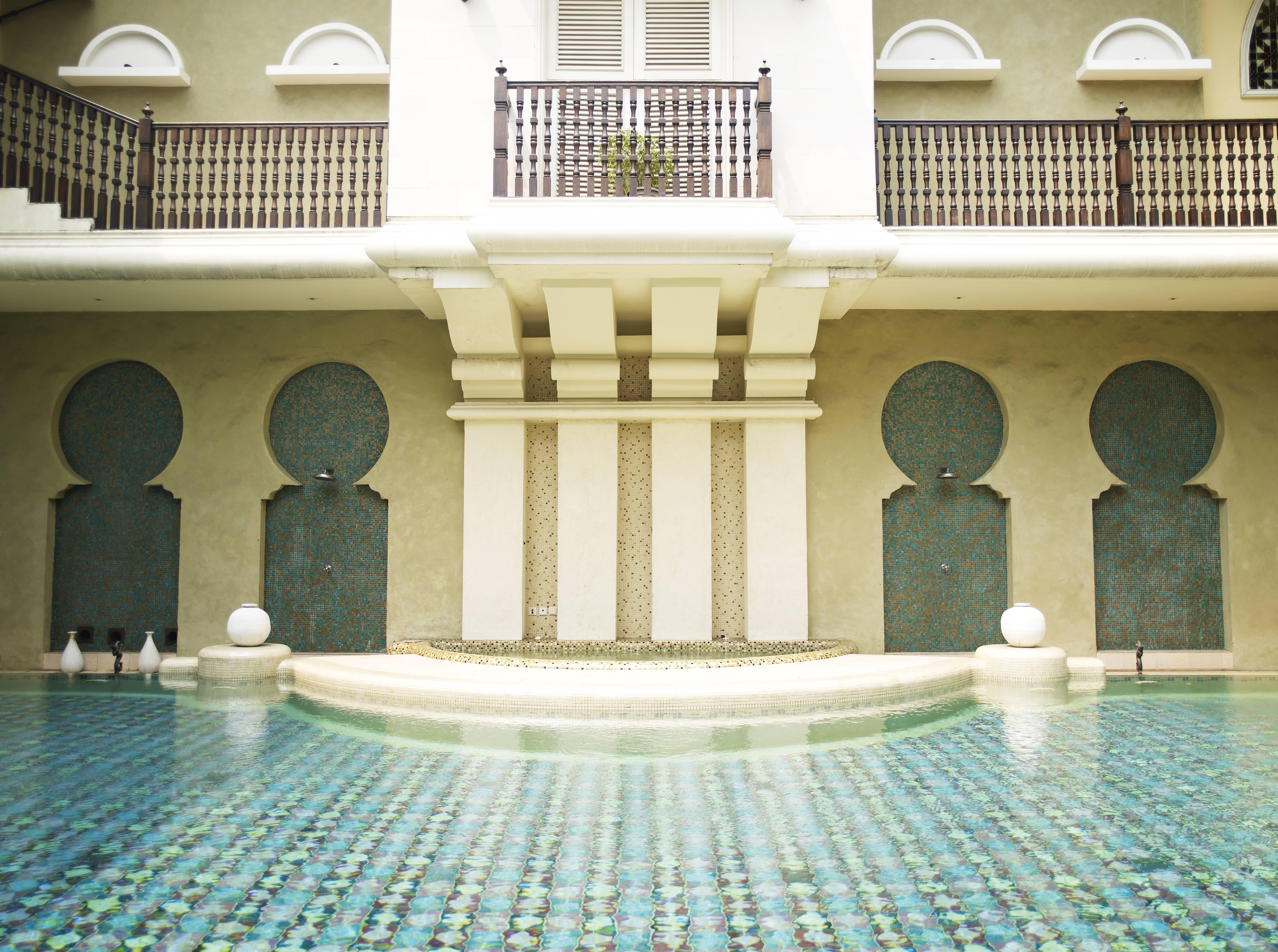 wedding-venue-jakarta-venuerific-blog-rumah-maroko-swimming-pool