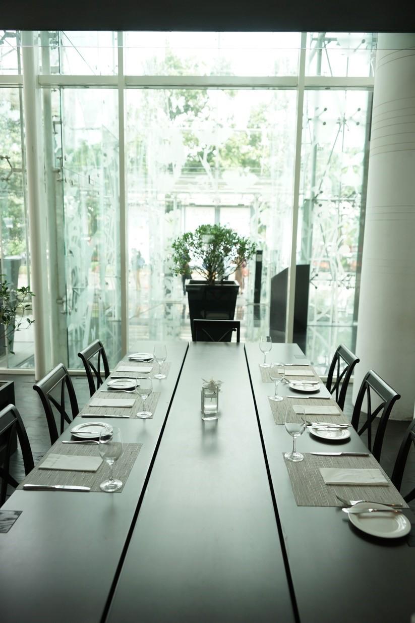 Best-restaurant-venuerific-blog-huize-van-wely-table-setup