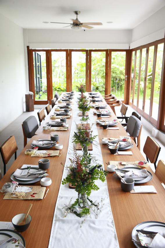 Best-restaurant-venuerific-blog-Lewis-and-carrol-table-setup