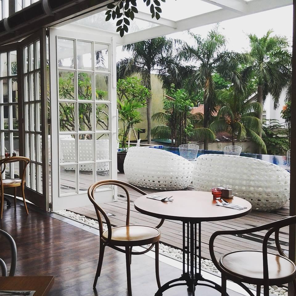 Best-restaurant-venuerific-blog-wyl's-kitchen-balcony