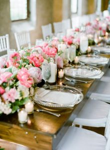 Perfect-wedding-flower-venuerific-blog-queen-of-hearts-peonies-table-set-up