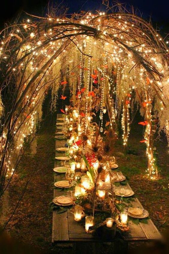 bohemian-wedding-venuerific-blog-wedding-reception-table-pretty-lights