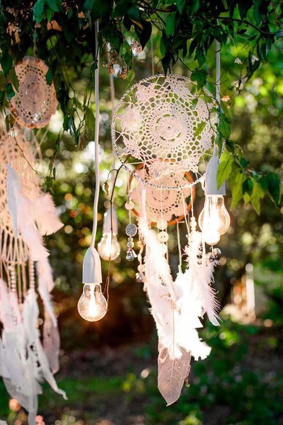bohemian-wedding-venuerific-blog-bohemian-decor-dream-catcher