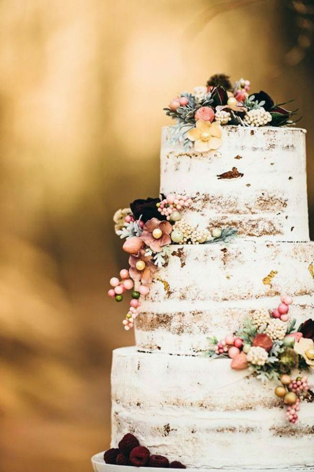bohemian-wedding-venuerific-blog-bridal-cake