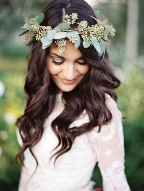 bohemian-wedding-venuerific-blog-accessories-pretty-flower-head-bands