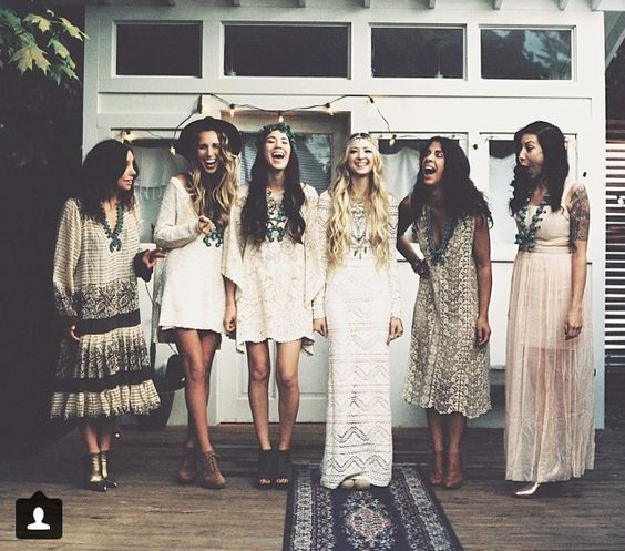 bohemian-wedding-venuerific-blog-bridemaids-beige
