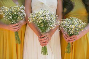 Perfect-wedding-flower-venuerific-blog-the-plain-jane-daisy-bouquet