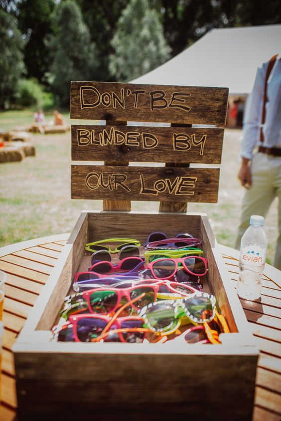 bohemian-wedding-venuerific-blog-quirky-decor-sunglasses