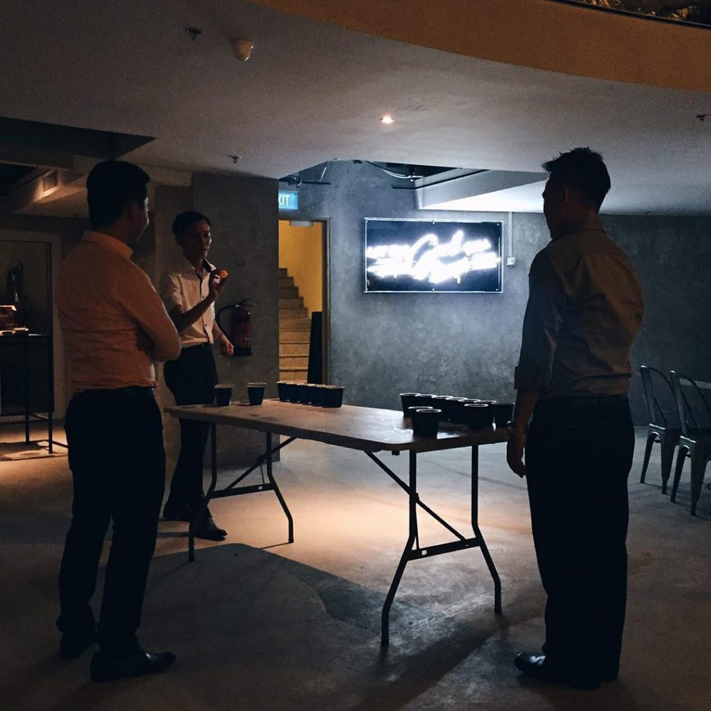 successful-networking-night-venuerific-singapore-no-so-dead-vibe-hopheads-beer-pong