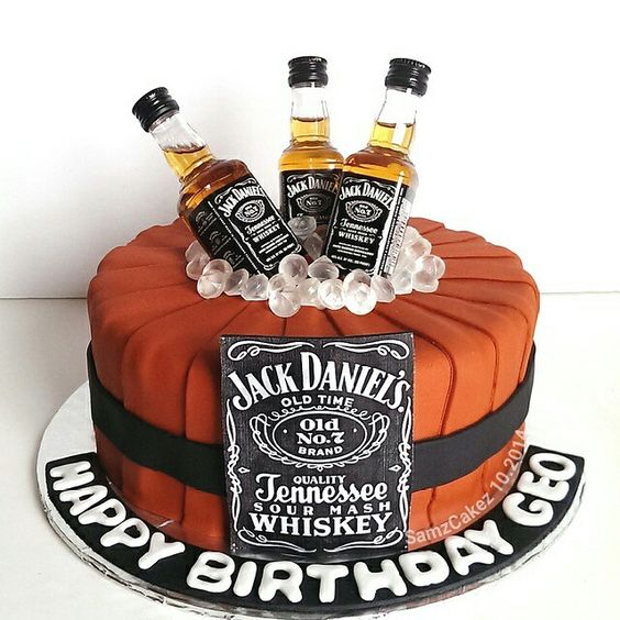 unforgettable-30th-Birthday-Party-venuerific-blog-whiskey-birthday-cake