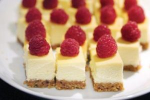 successful-networking-night-venuerific-singapore-cheese-cake