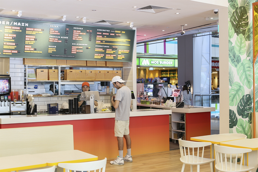 CBD-lunch-spaces-venuerific-blog-Bburger-cashier