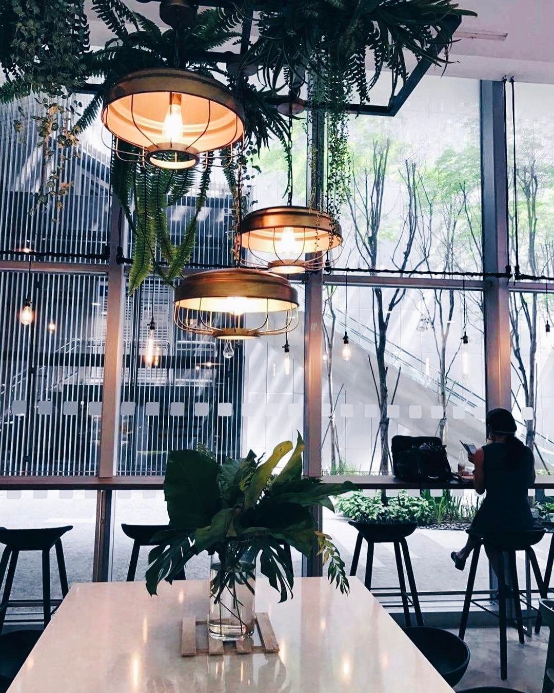 CBD-lunch-spaces-venuerific-blog-rollie-ollie-green-interior-design