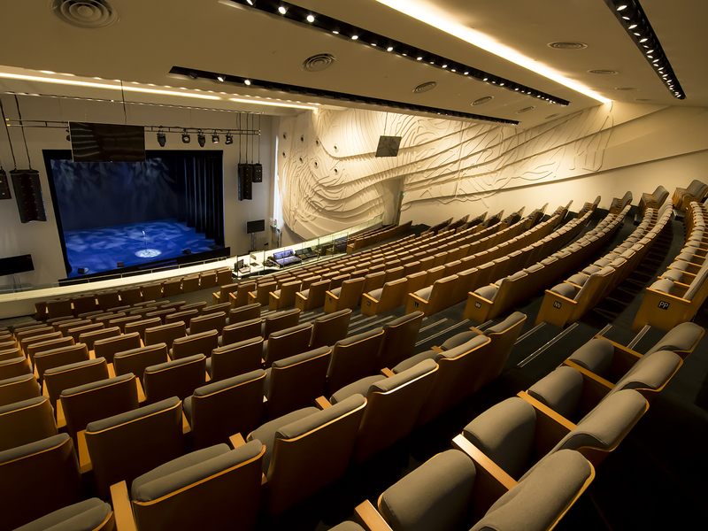 unique-venue-singapore-venuerific-blog-gateway-theatre-theatre-chairs