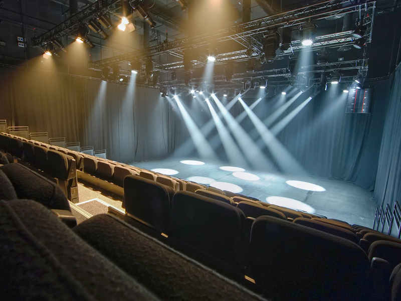 unique-venue-singapore-venuerific-blog-gateway-theatre-stage