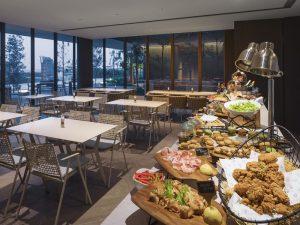 unique-venue-singapore-venuerific-blog-oakwood-executive-lounge-buffet