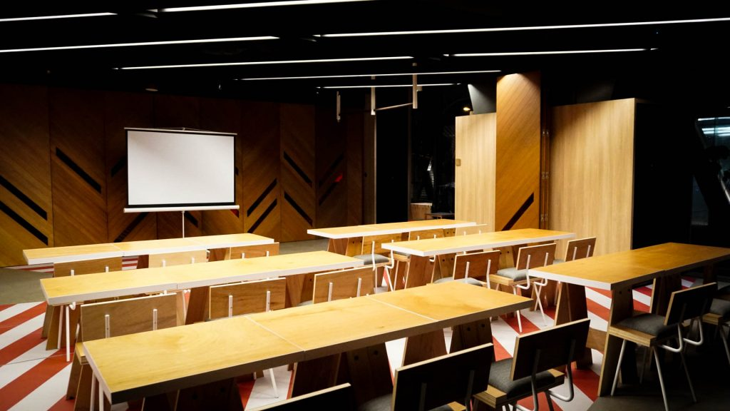 unique-venue-singapore-venuerific-blog-recognise-studios-with-conference-tables