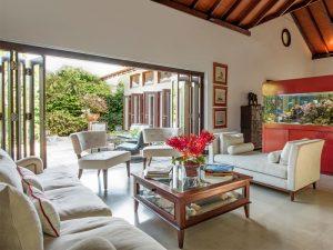 unique-venue-singapore-venuerific-blog-private-estate-villa-paradiso-living-room