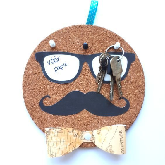 DIY-gift-ideas-venuerific-blog-hangable-key-holder