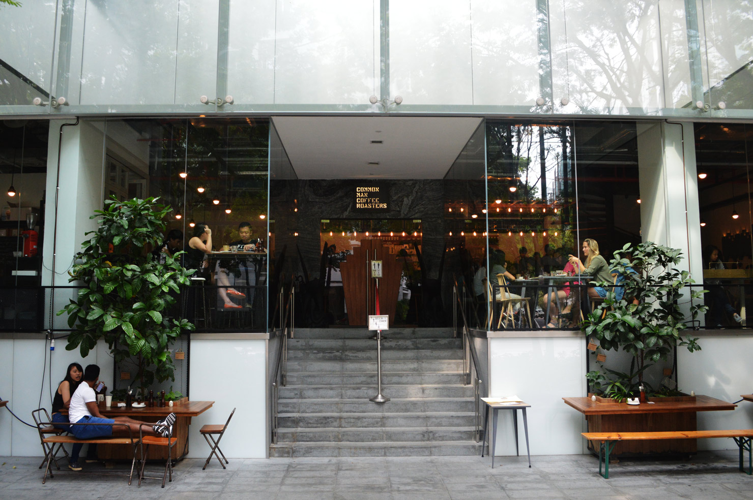 best-coffee-places-venuerific-blog-common-man-coffee-roasters