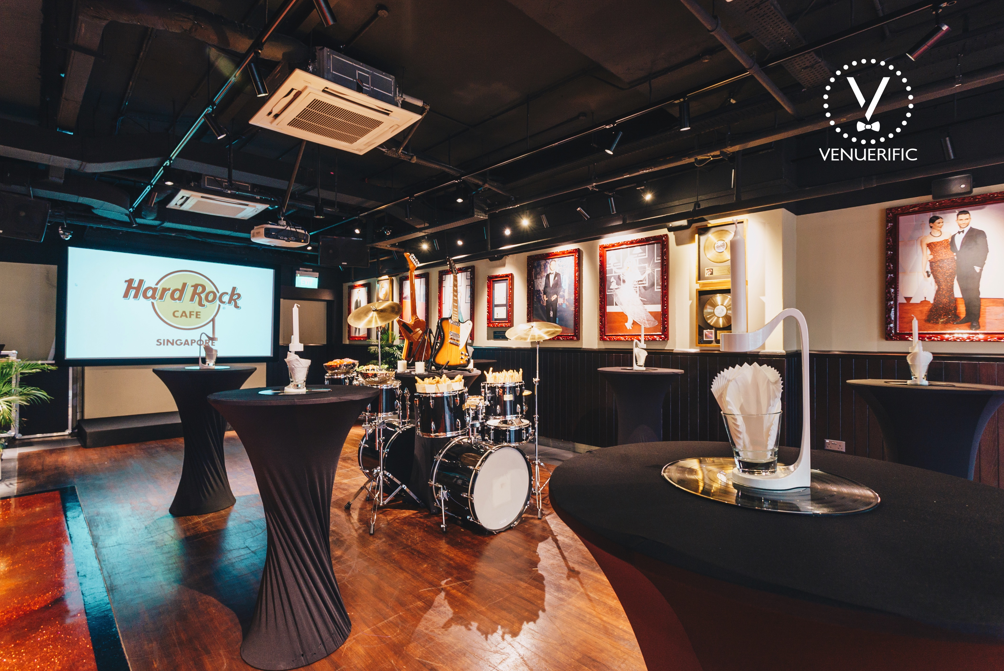 Hard-Rock-Cafe-Singapore-unique-wedding-space