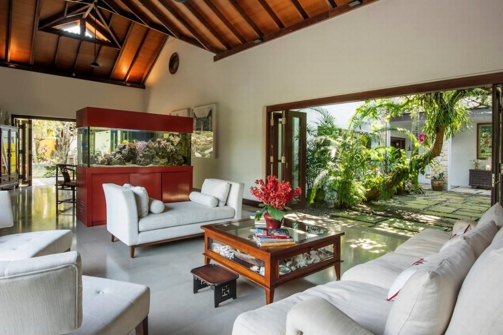 Indoors-Unique-Event-Space-Villa-Paradiso-Singapore-venuerific-blog