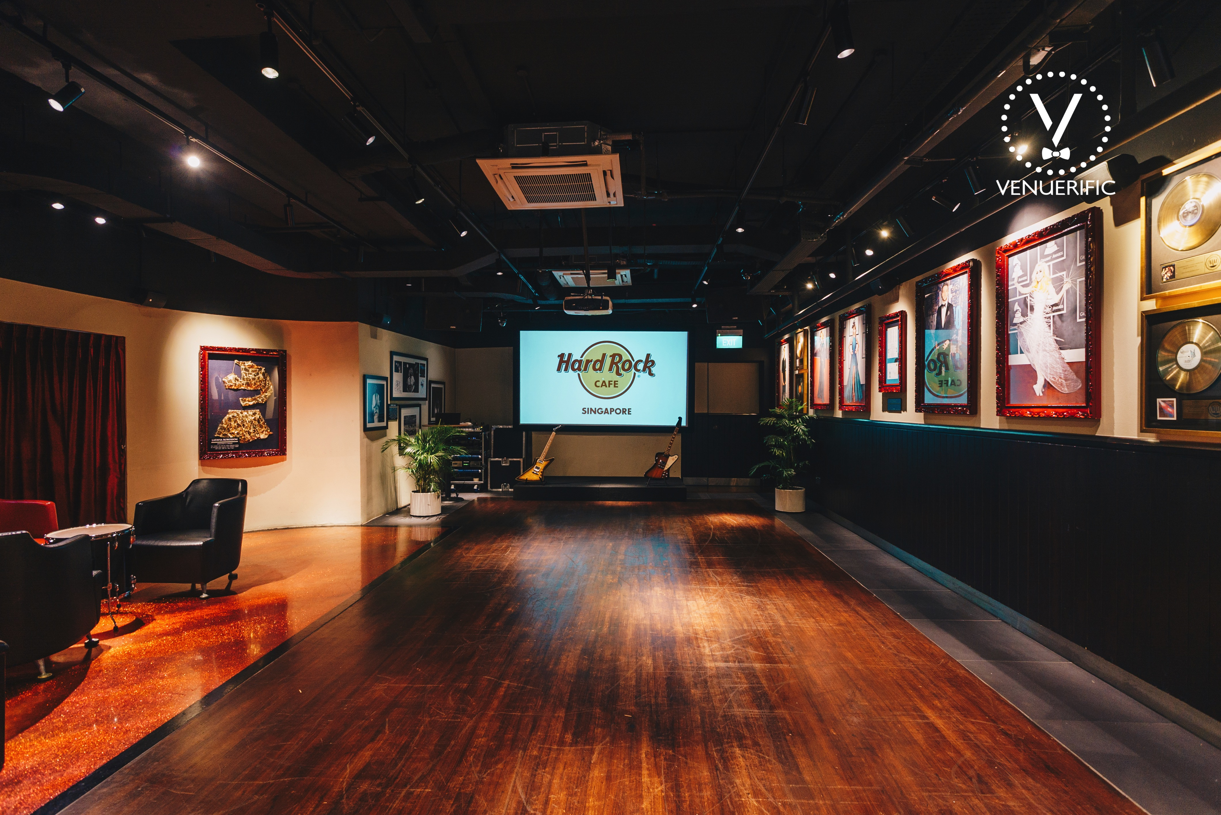 Projector-Hard-Rock-Cafe-Event-Space-Singapore
