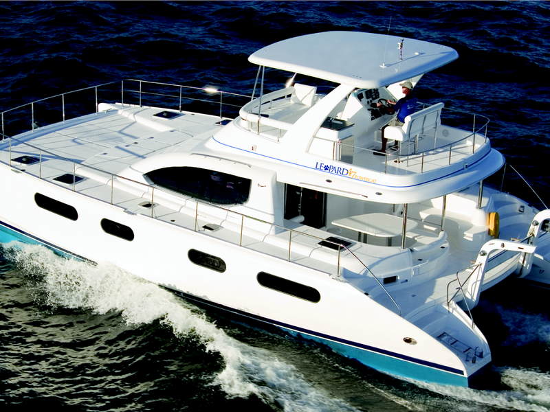 Unique-wedding-location-venuerific-blog-mikanna-pretty-luxury-yacht-