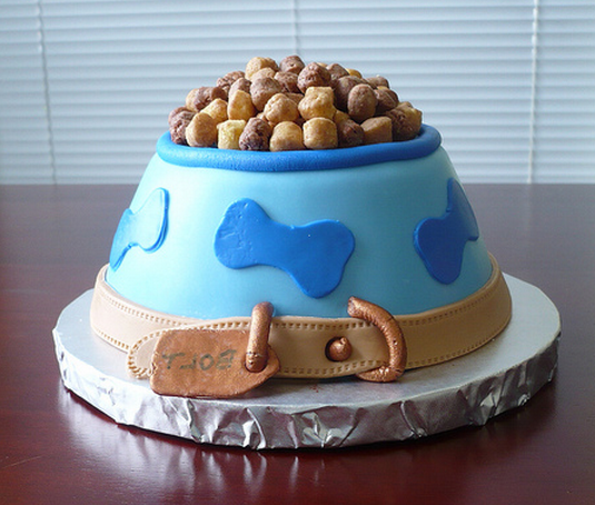 Dogs-birthday-venues-venuerific-blog-dog-food-bowl-shaped-cake