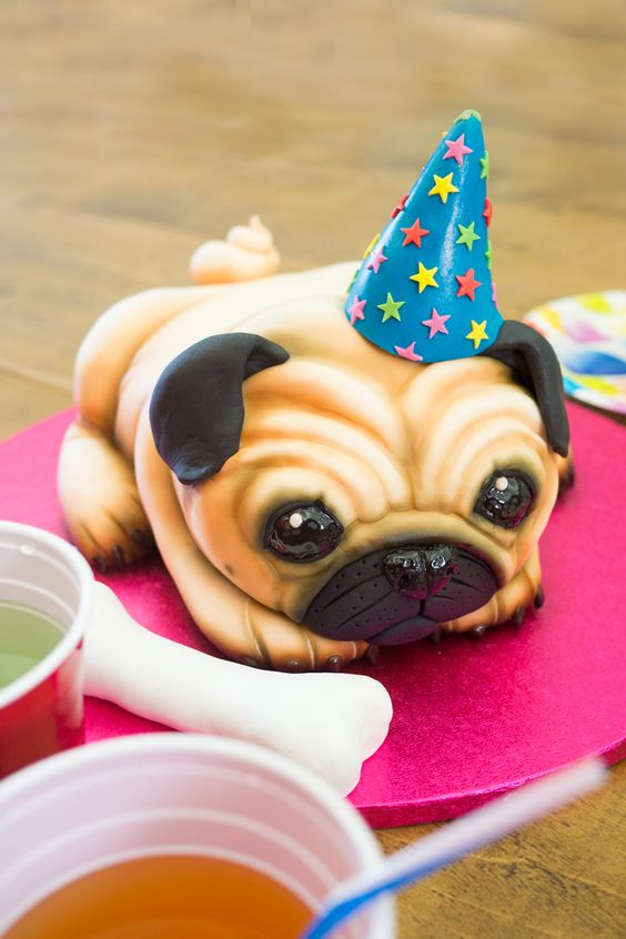 Dogs-birthday-venues-venuerific-blog-pug-cake