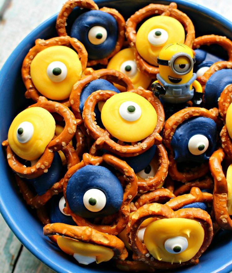 Kids-birthday-venuerific-blog-minions-party-pretzels