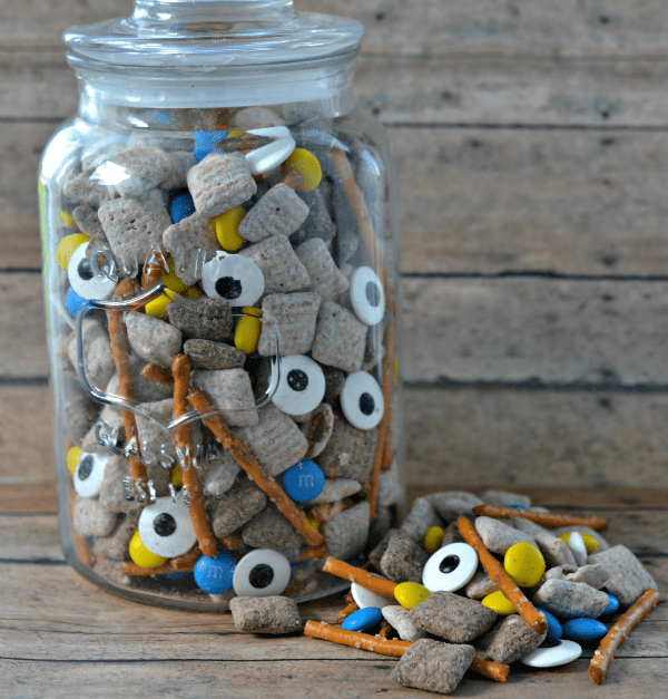 Kids-birthday-venuerific-blog-minions-party-themed-snacks