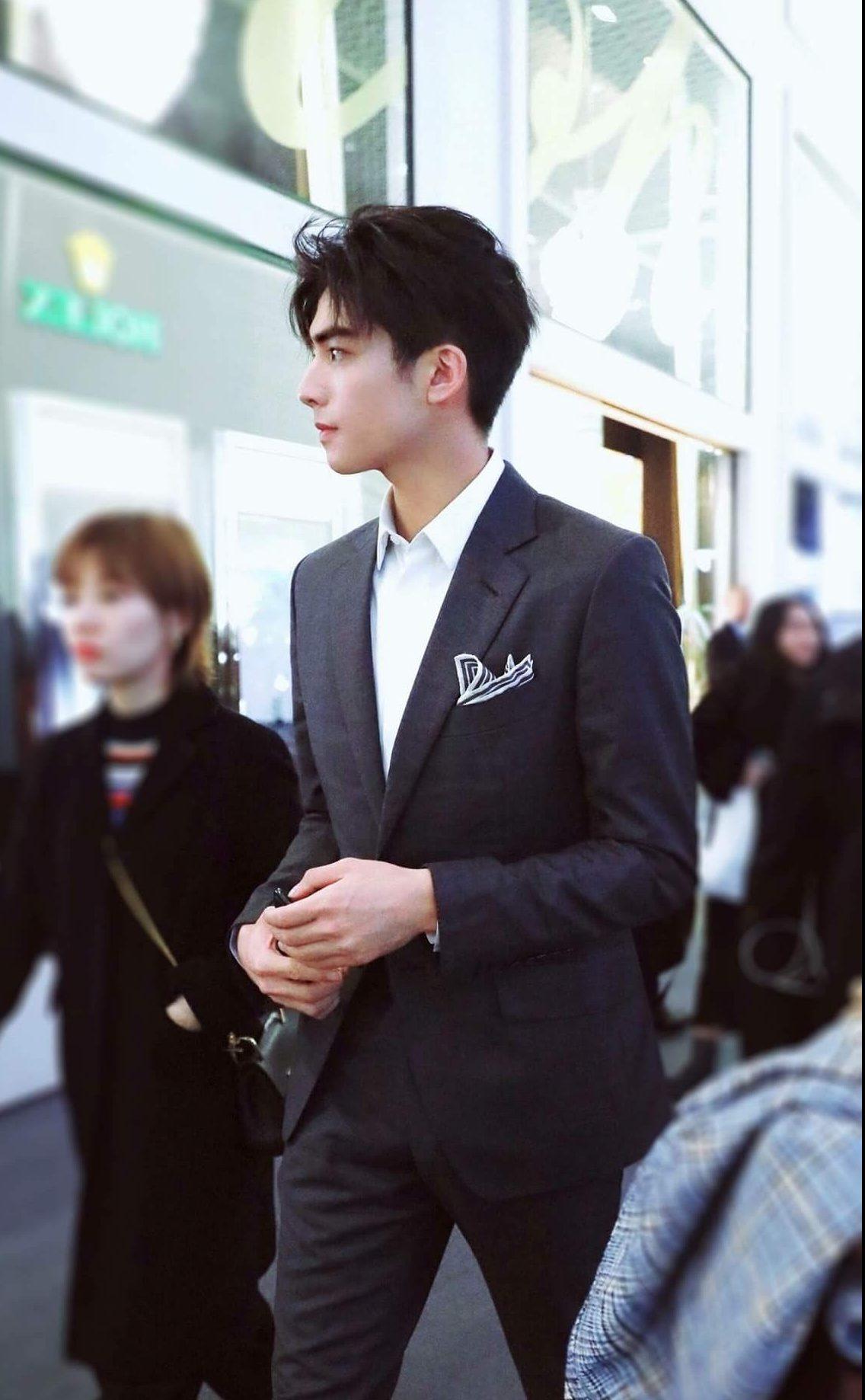 Dress-code-venuerific-blog-semi-formal-gents-suit-without-tie