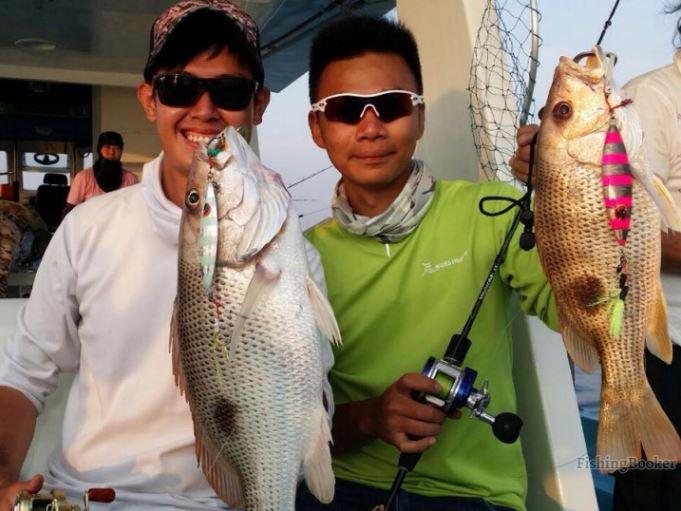 team-bonding-venuerific-blog-singapore-sailing-boat-fishing