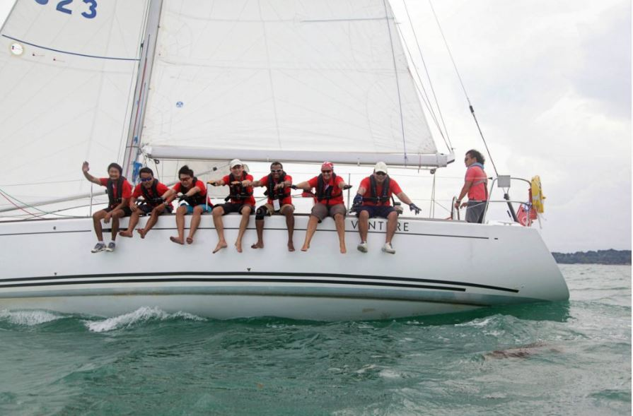 team-bonding-venuerific-blog-singapore-charter-yacht