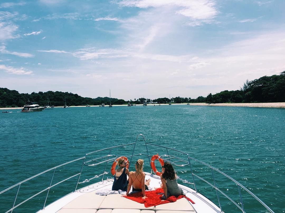 team-bonding-venuerific-blog-singapore-lounge-on-the-yacht
