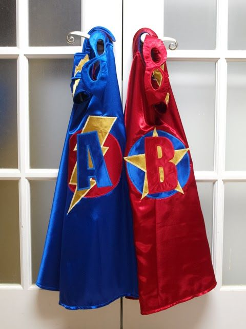 Kids-birthday-venuerific-blog-avengers-superhero-capes