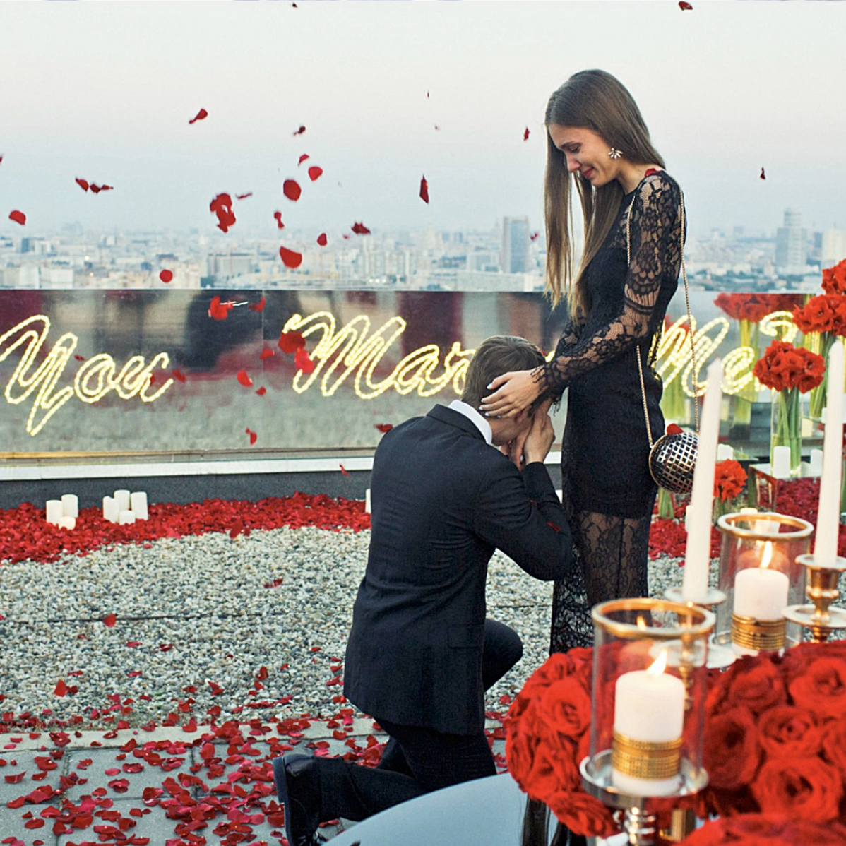 emotional-surprise-proposal-rooftop