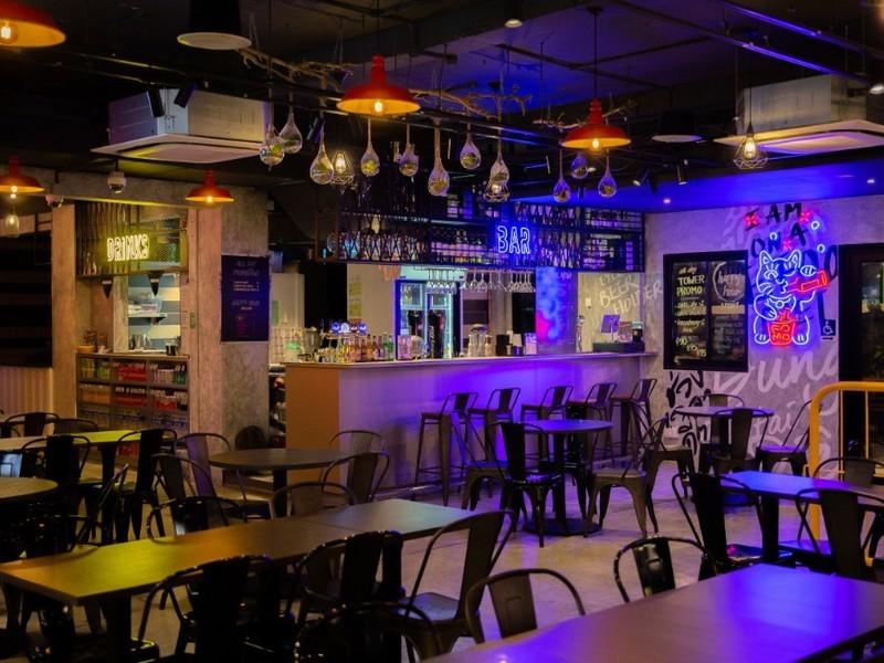 21st-birthday-party-venue-event-space-venuerific-Fomo-bar