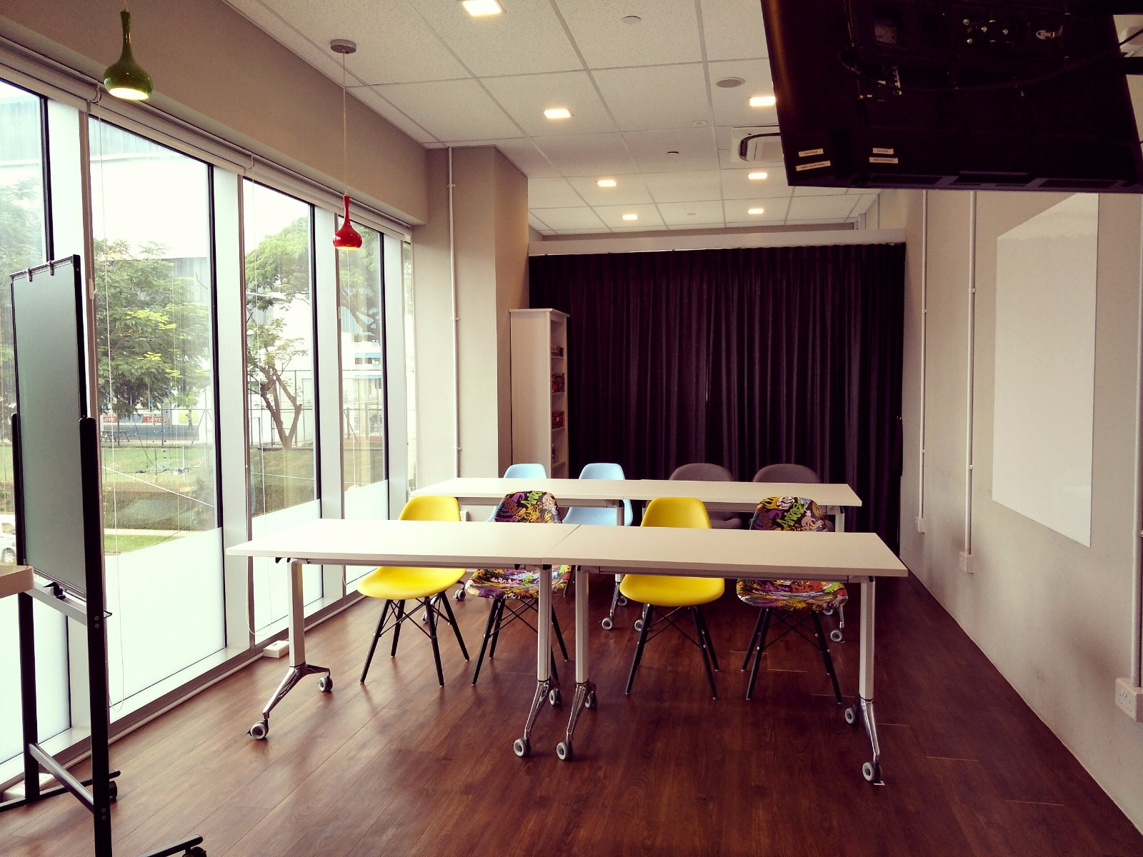 Affordable-training-seminar-rooms-venuerific-singapore-Project-central-seminar